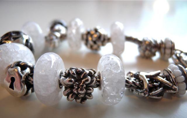 Драгоценные и поделочные камни  Mountain-crystal-side