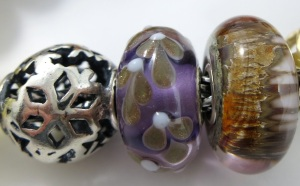 amber-close-purple