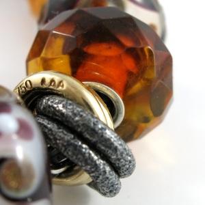 amber-close2